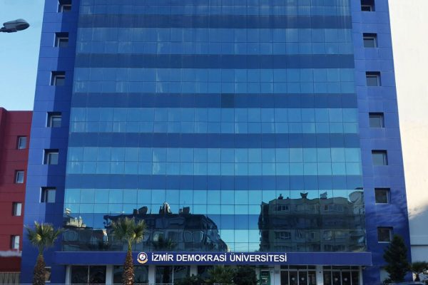 izmir-demokrasi-university-2