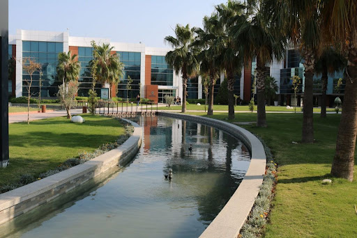 university-of-bakırçay-4